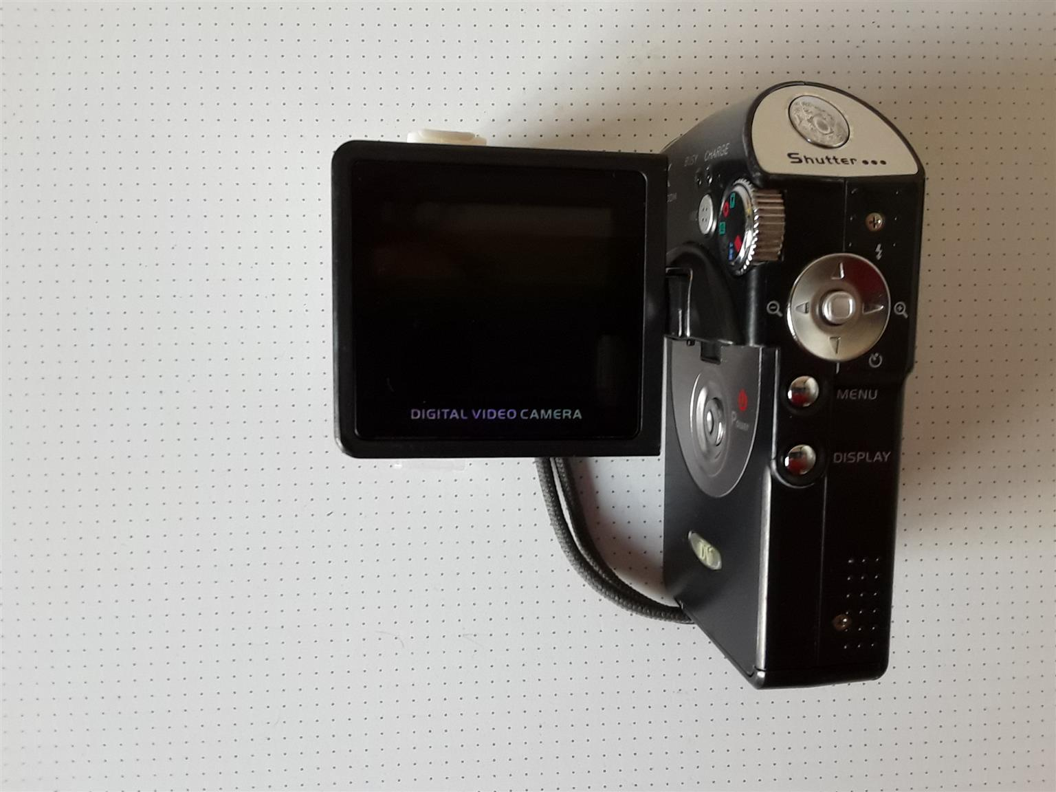 Handheld Digital Video Camera. 12 Megapixels. Records Directly to SD Card. With Pouch. With LCD