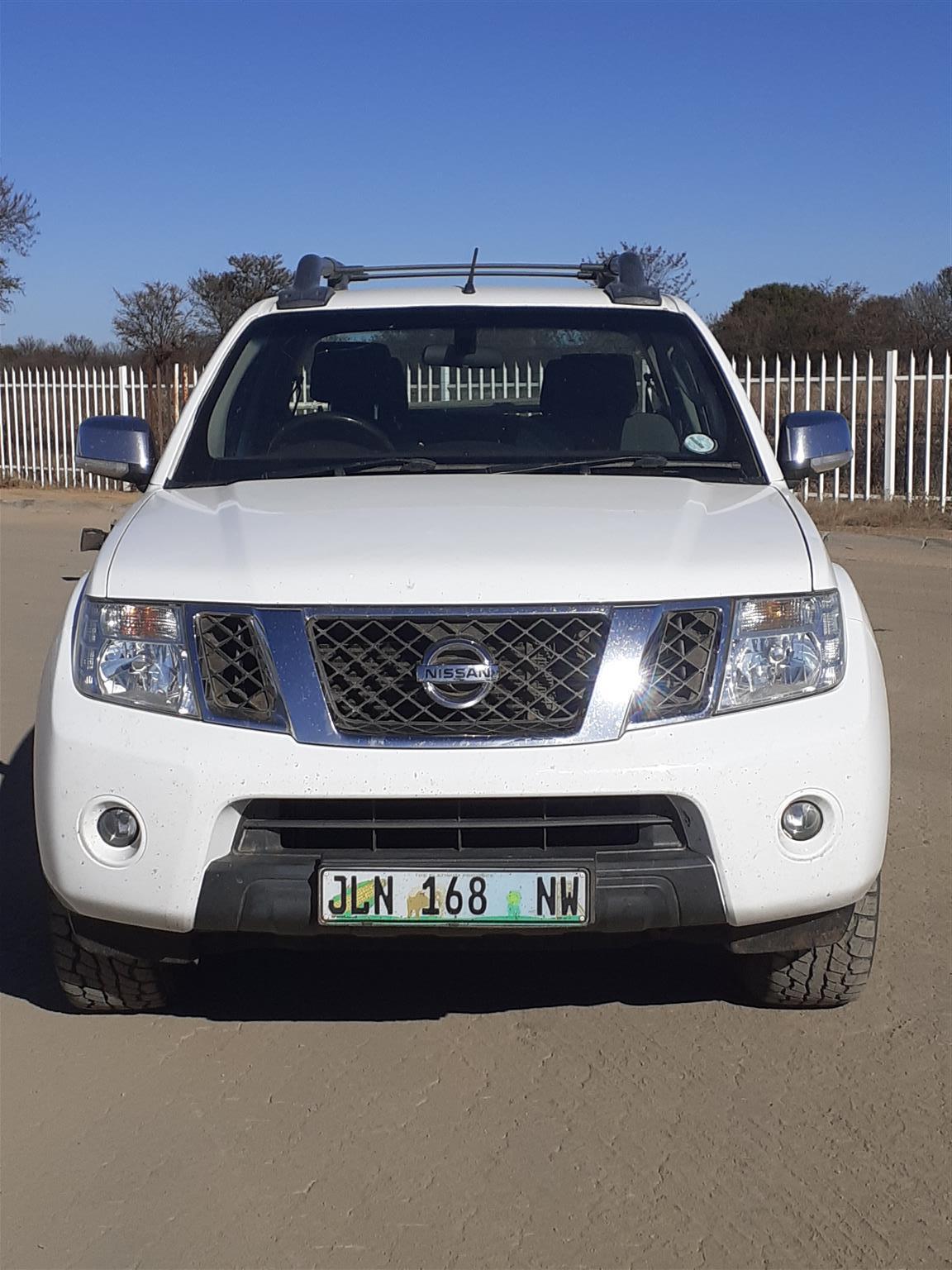 2015 Nissan Navara 2.5dCi double cab LE