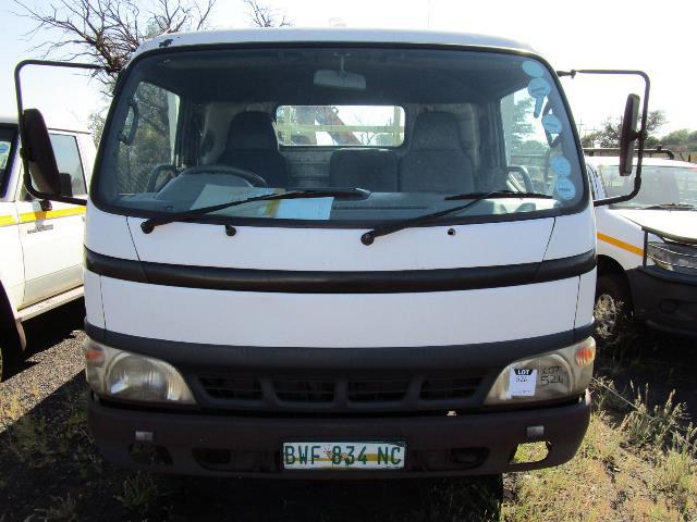 Toyota XZU430R, Drop Side Crane Truck - ON AUCTION