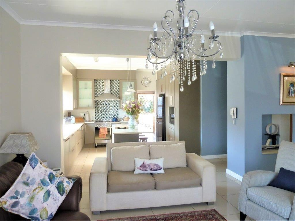 House For Sale in South Kensington