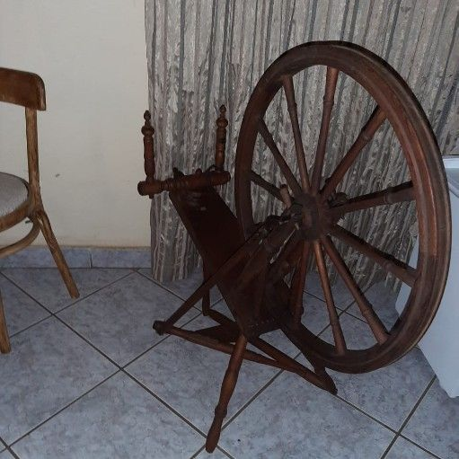 Ashford Elizabeth Spinning wheel forsale contact me