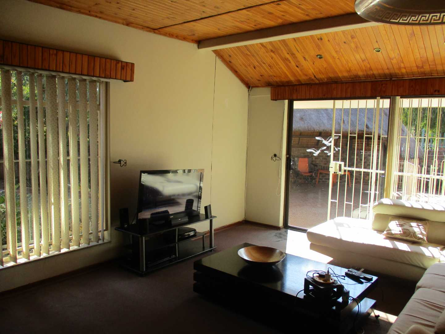 House For Sale in Sinoville
