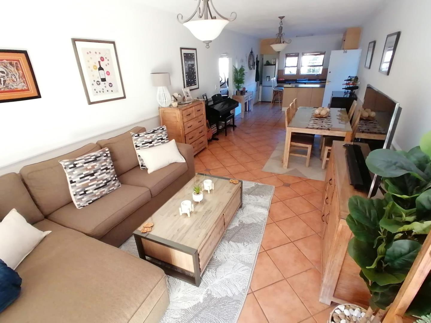 Apartment Rental Monthly in Melrose Estate