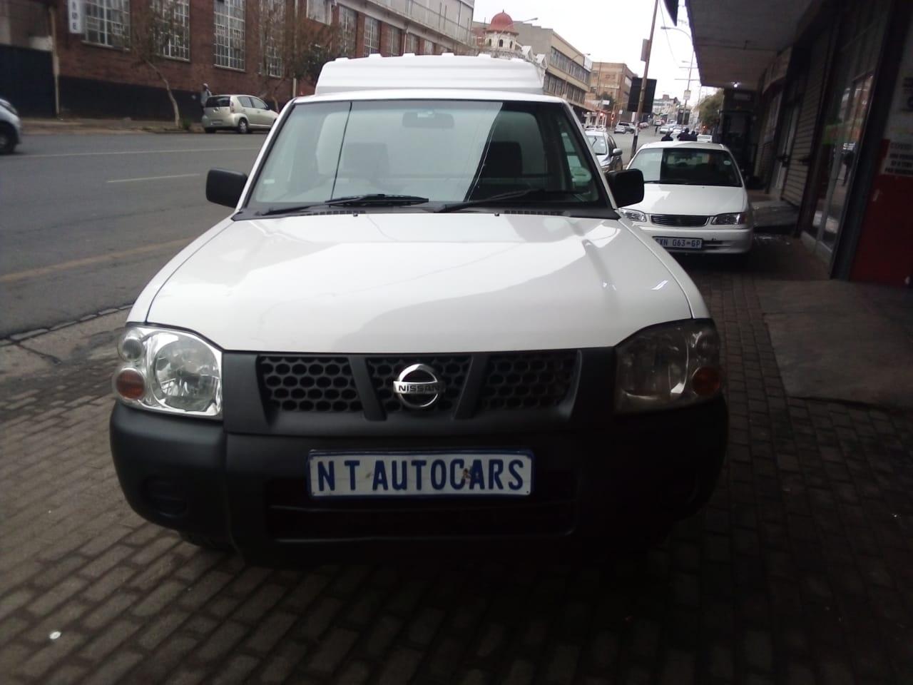 2010 Nissan Hardbody 2.0 16V LWB