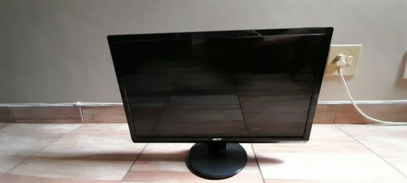 23 inch ACER full HD screen for sale.