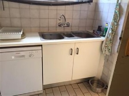Annlin-Spacious House-3bedr .Spacious Yard..lockup Garage-pool-outbuildings allow easy renovation for Granny Flat