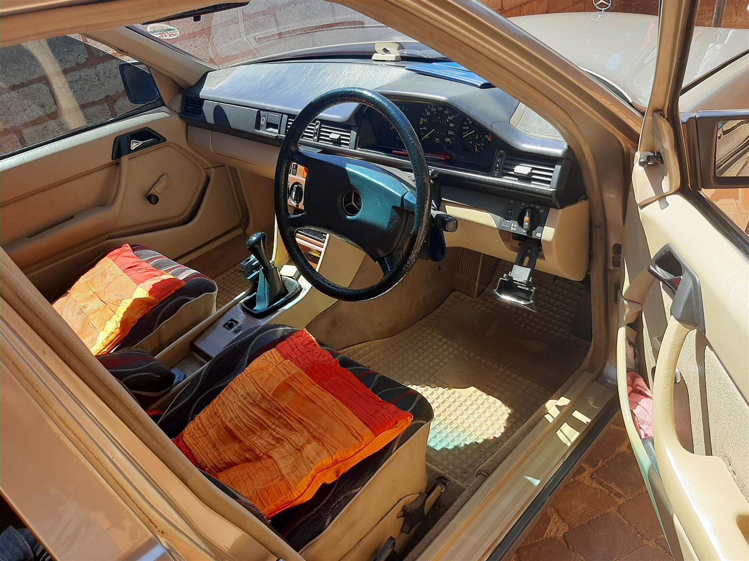 1987 Mercedes Benz 230E