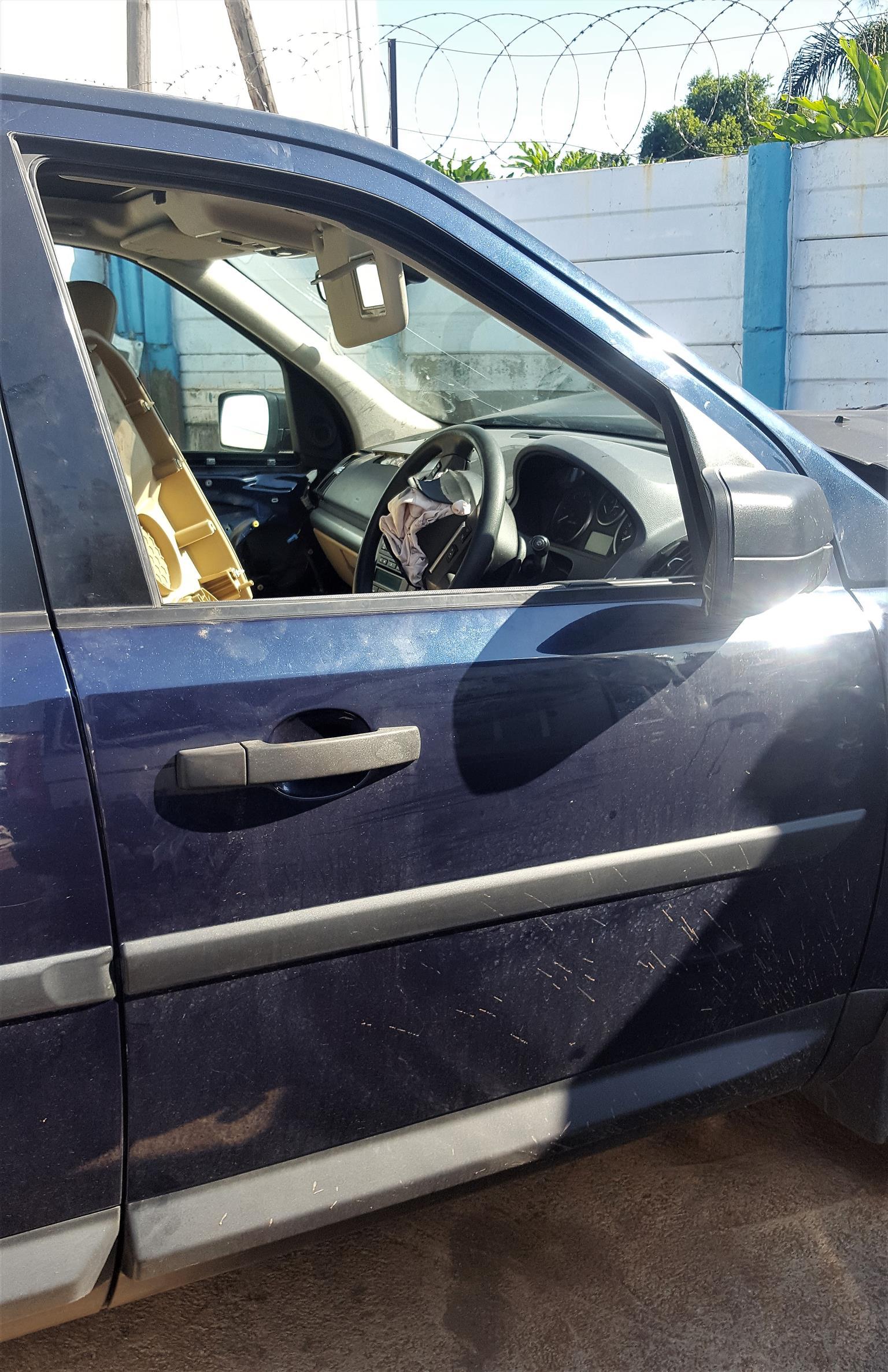 Freelander 2 Doors (front & back)   Auto Ezi