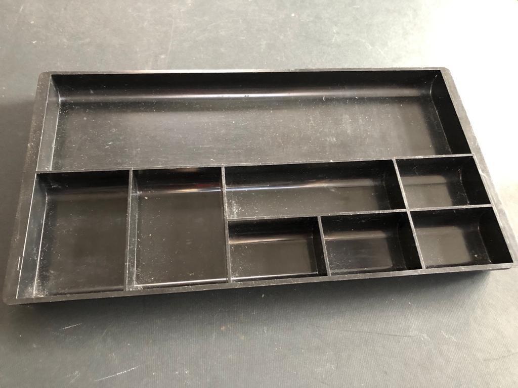 Desk drawer insert tray