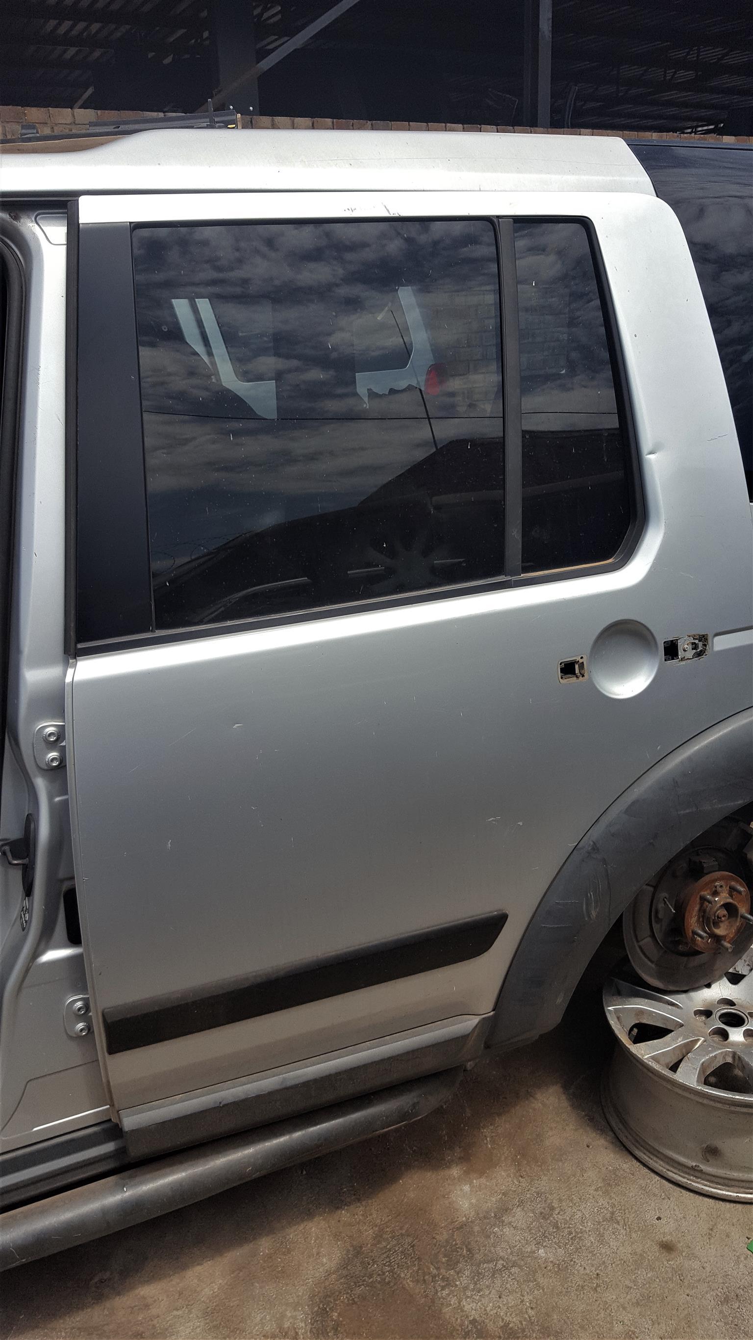 Rear Doors for Land Rover Discovery 3, 4, Freelander, Range Rover | Auto Ezi