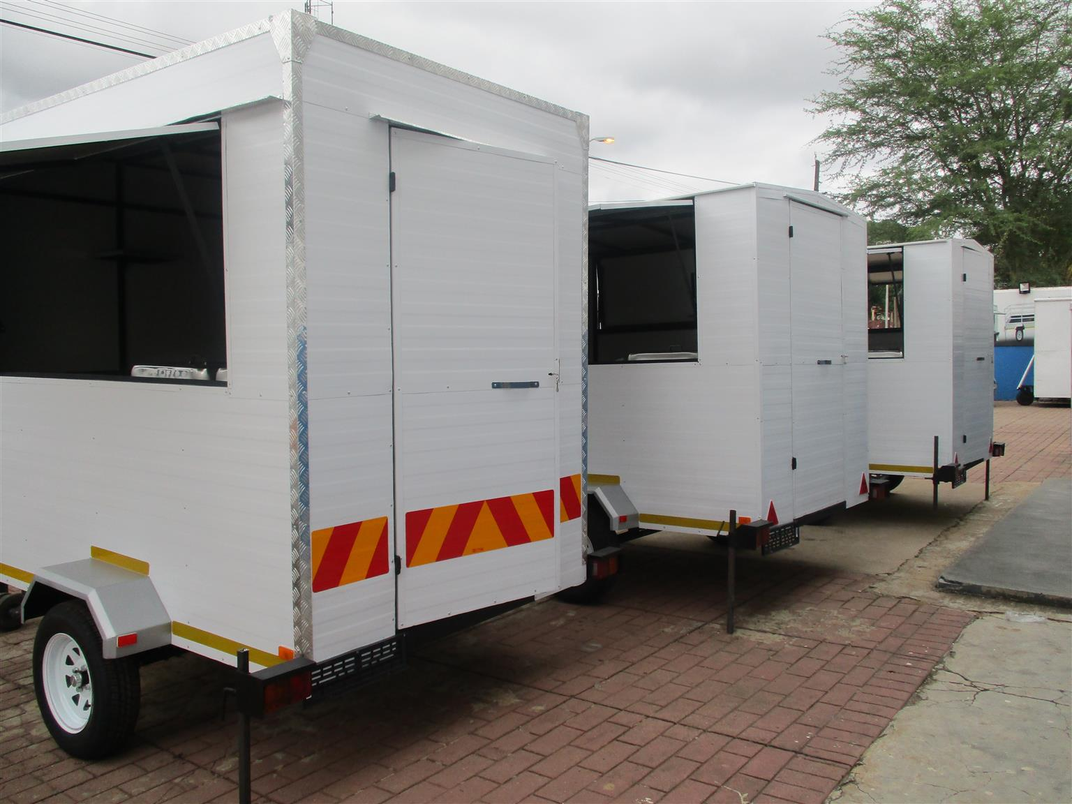 Mobile Kitchen and FOOD TRAILER FOR SALE