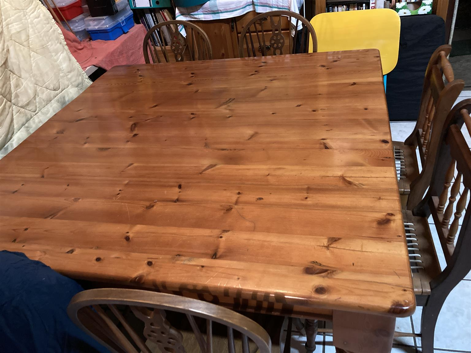 Oregon 8 seater dining table