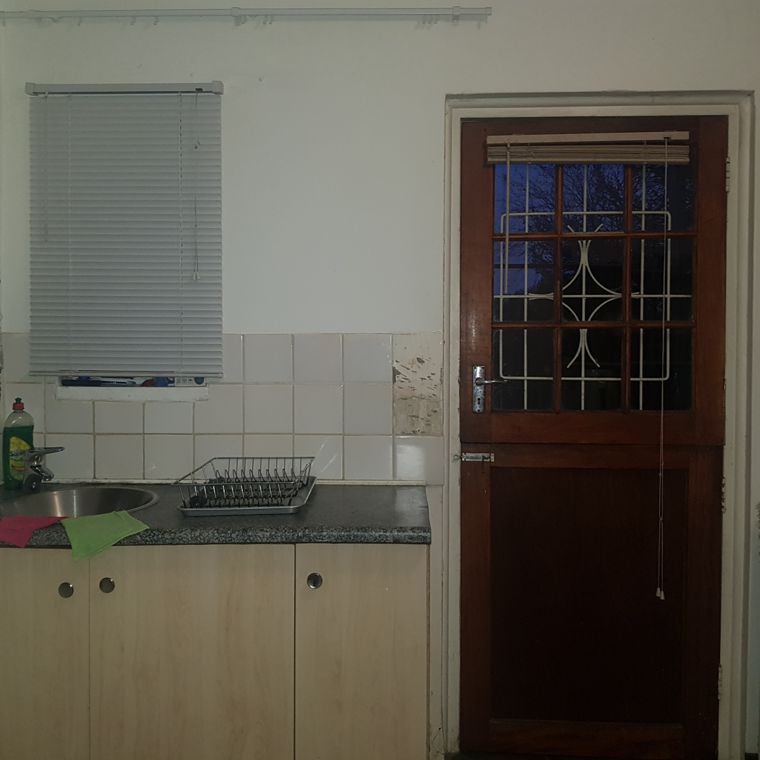 Affordable 3 Bedroom Cottage - Generaal de Wet - FOR RENT - R5000pm water included & Pre-paid electr