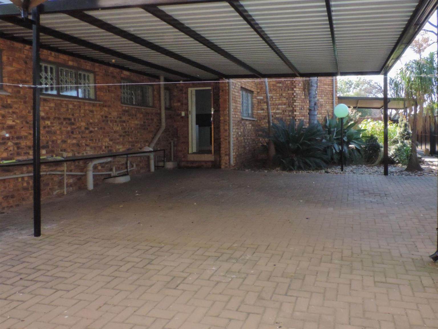 House For Sale in ZWARTKOP