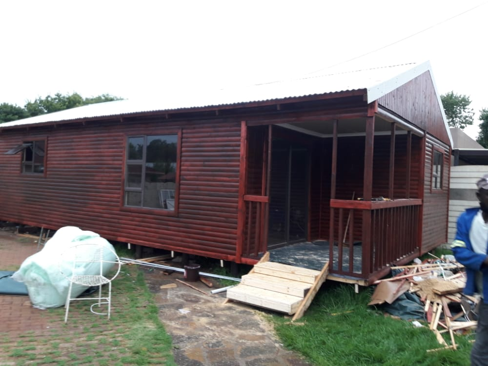 Log cabin and Wendy houses