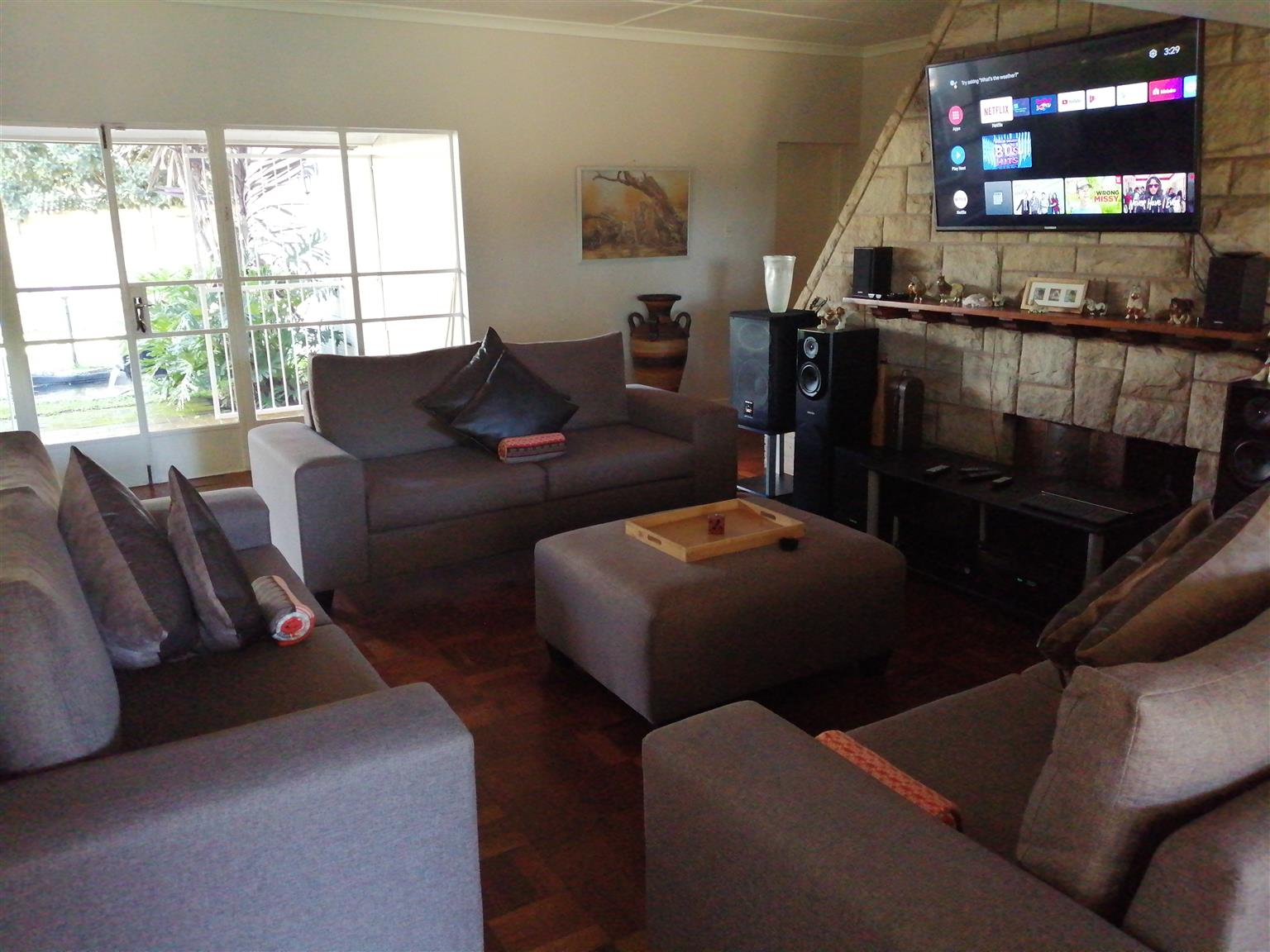Beautiful lounge Suite