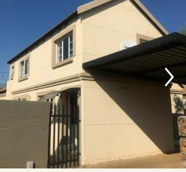 Townhouse For Sale in Terenure
