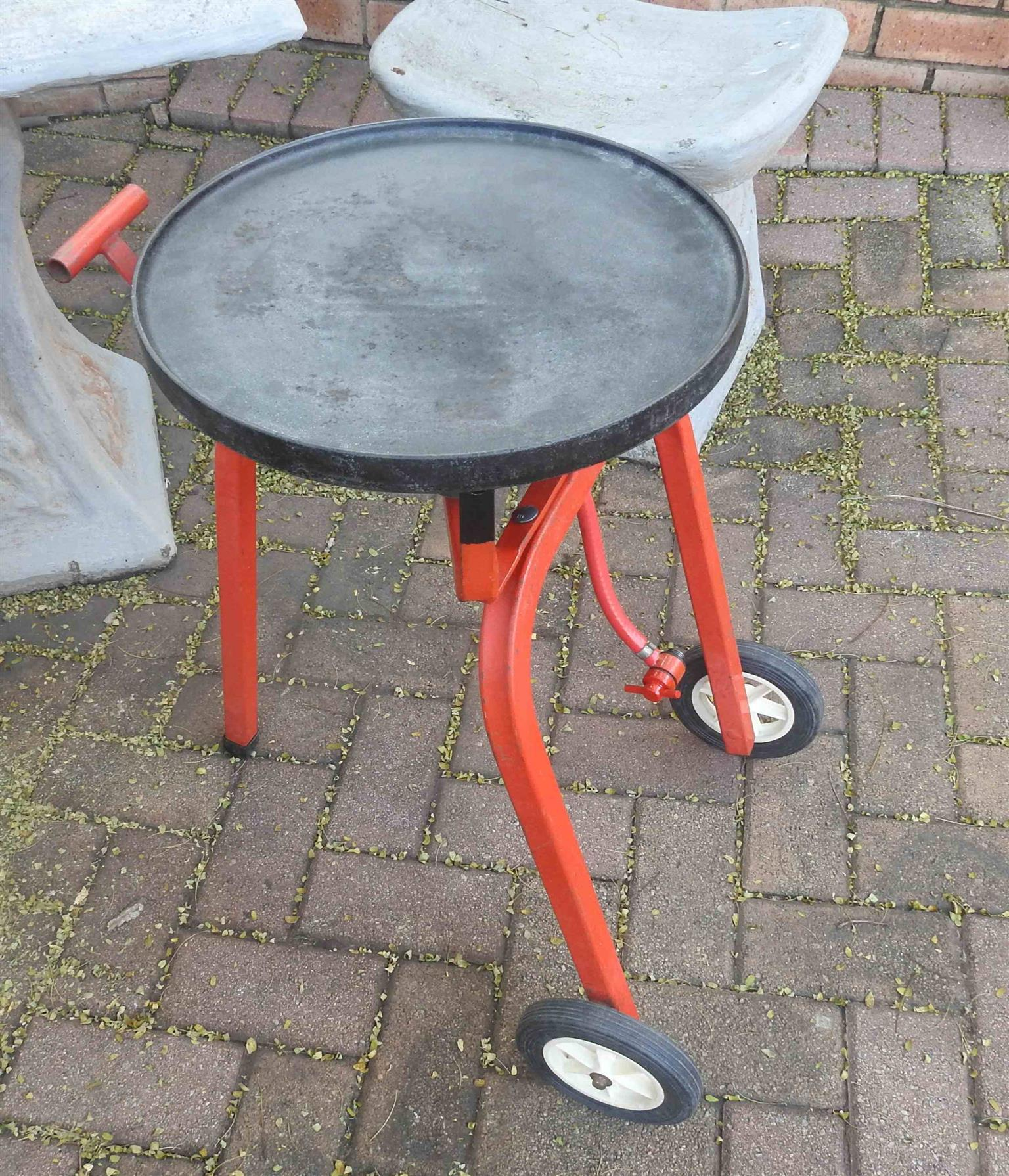 3 Burner used gas fryer with Cast Iron Grill Plate