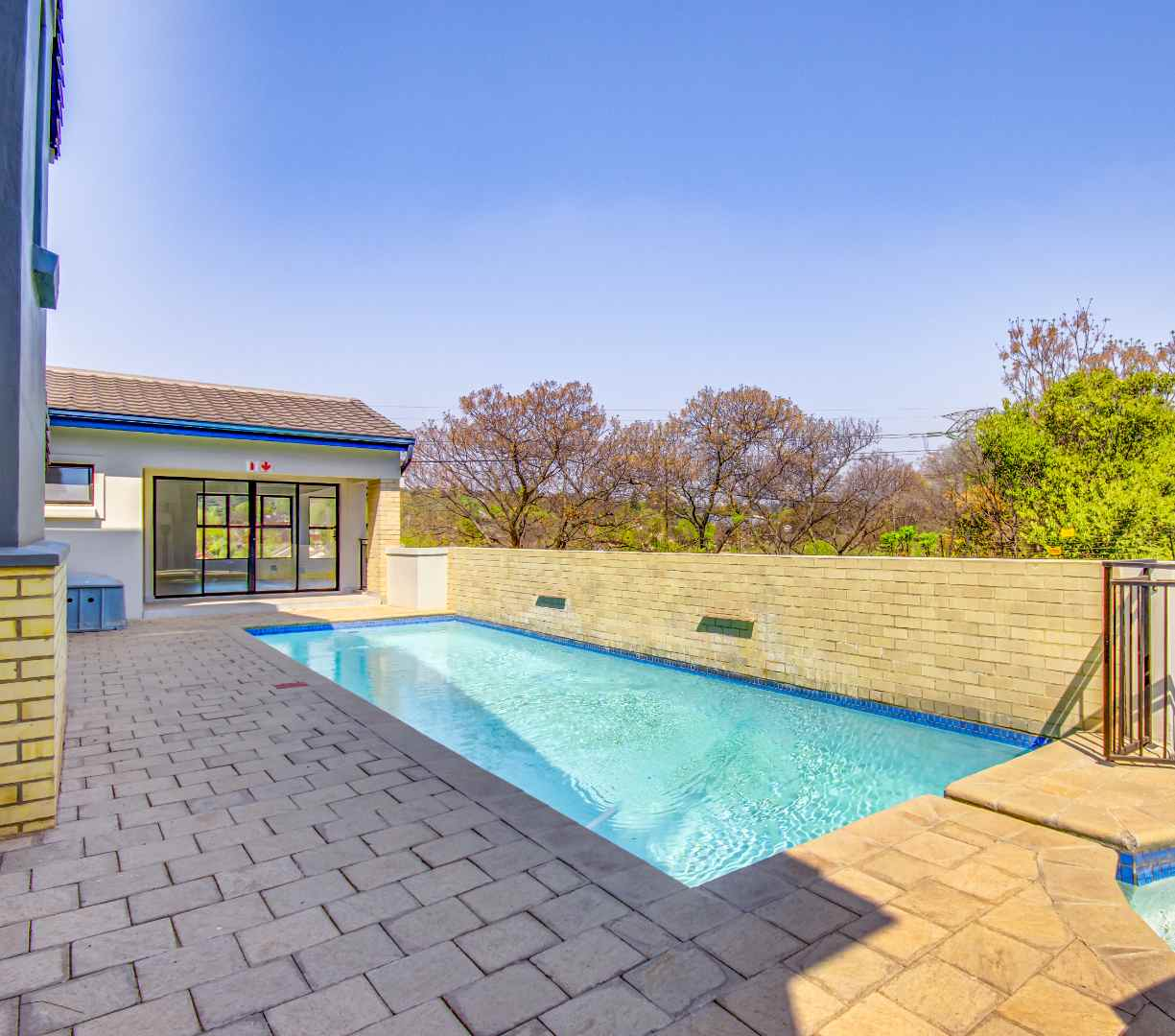 Townhouse For Sale in Bryanston East