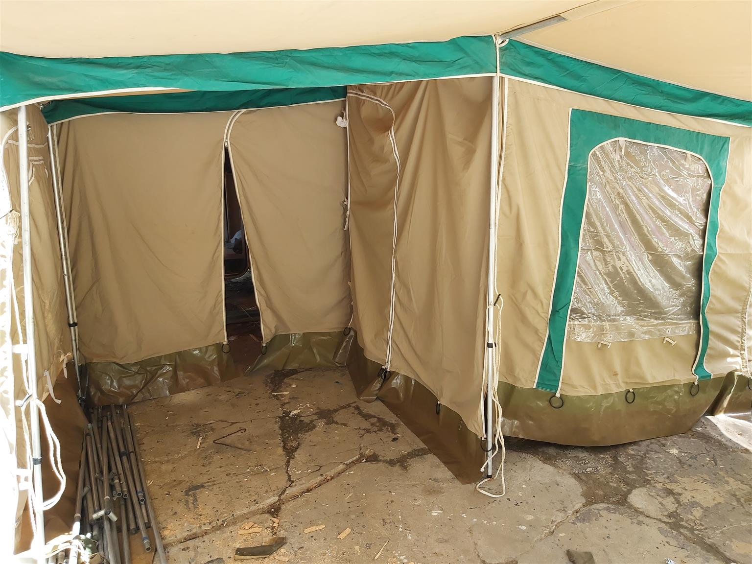 Full tent combo coming from Caravette 6,should fit any caravan 4meters from outer pole to outer pole