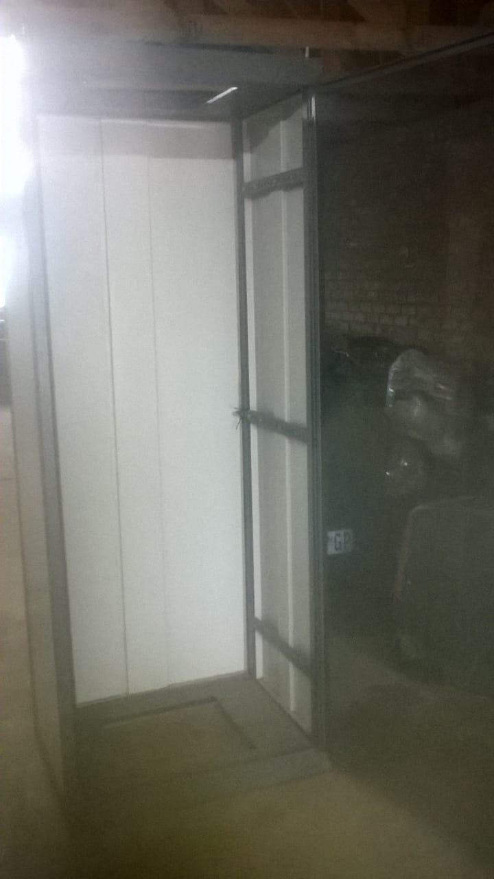 Biltongkas / biltong dryer / meat dehydrator / fruit dehydrator 2,1m H, 800mm W. 600 mm deep. Glass door