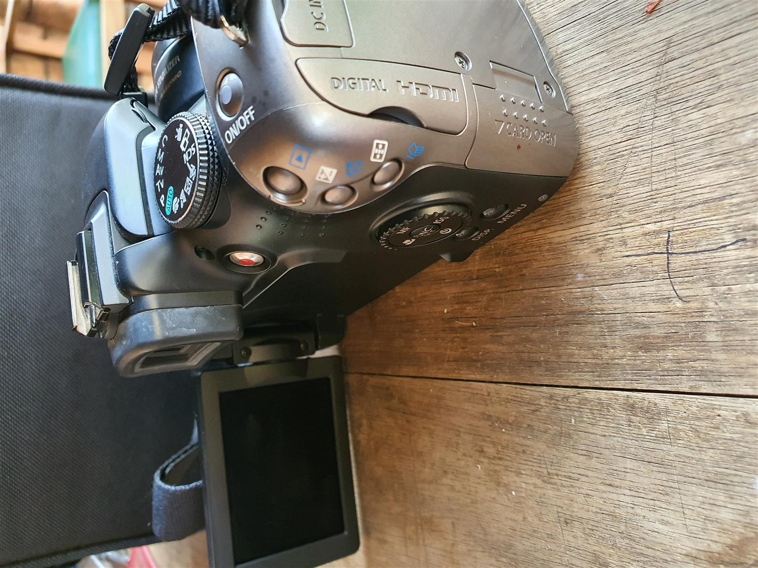 Canon SX20 IS 12.1 mega pixels