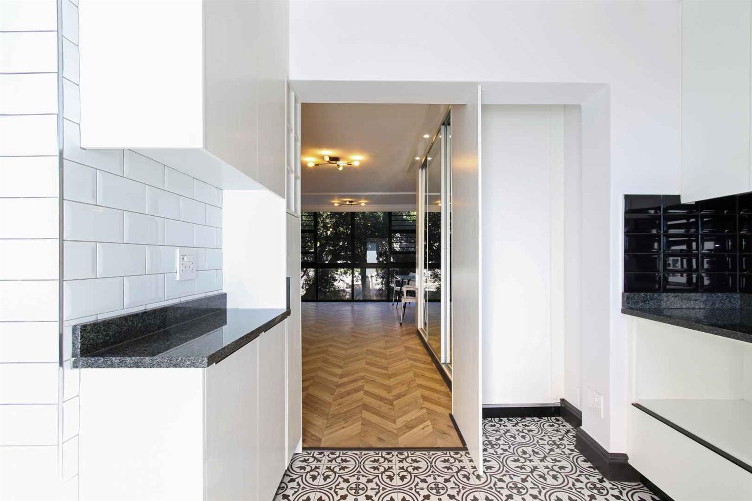 Apartment For Sale in Oranjezicht