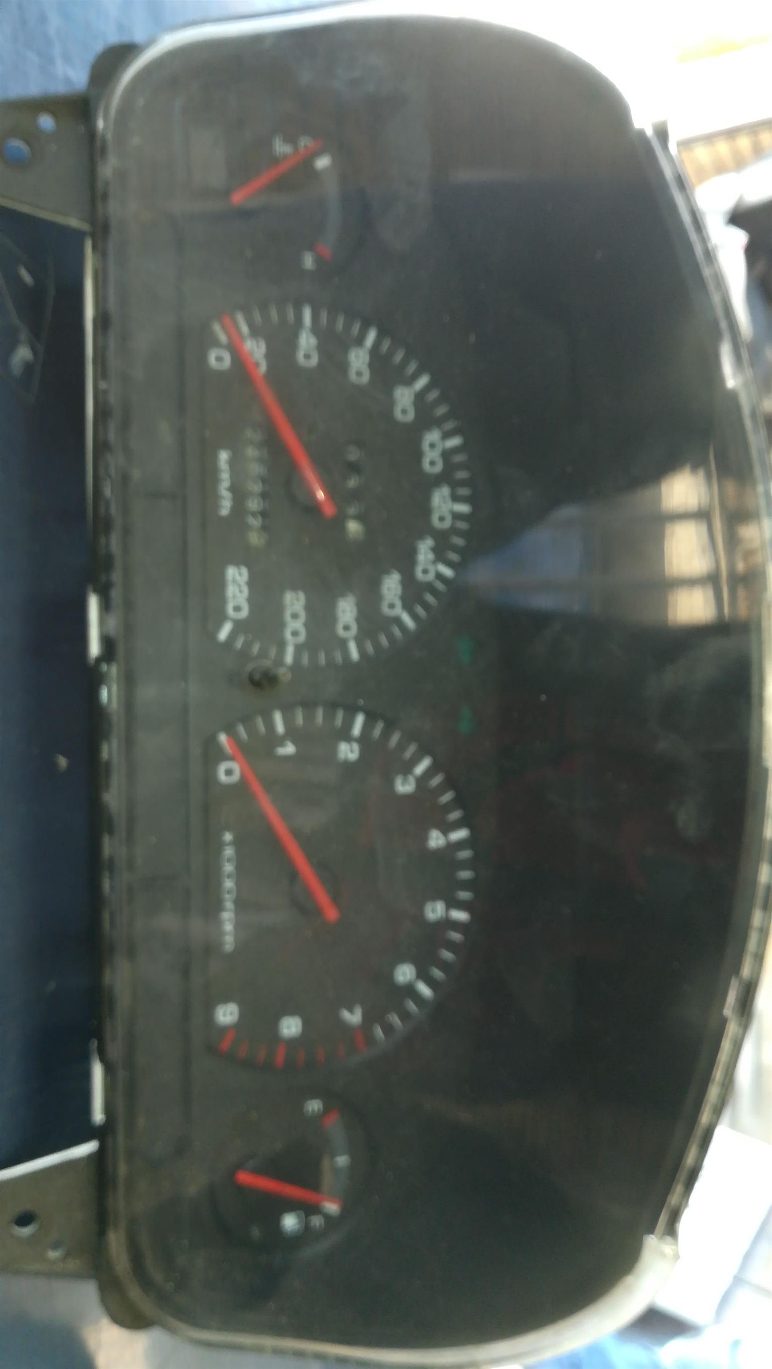 Hyundai Accent speedo cluster