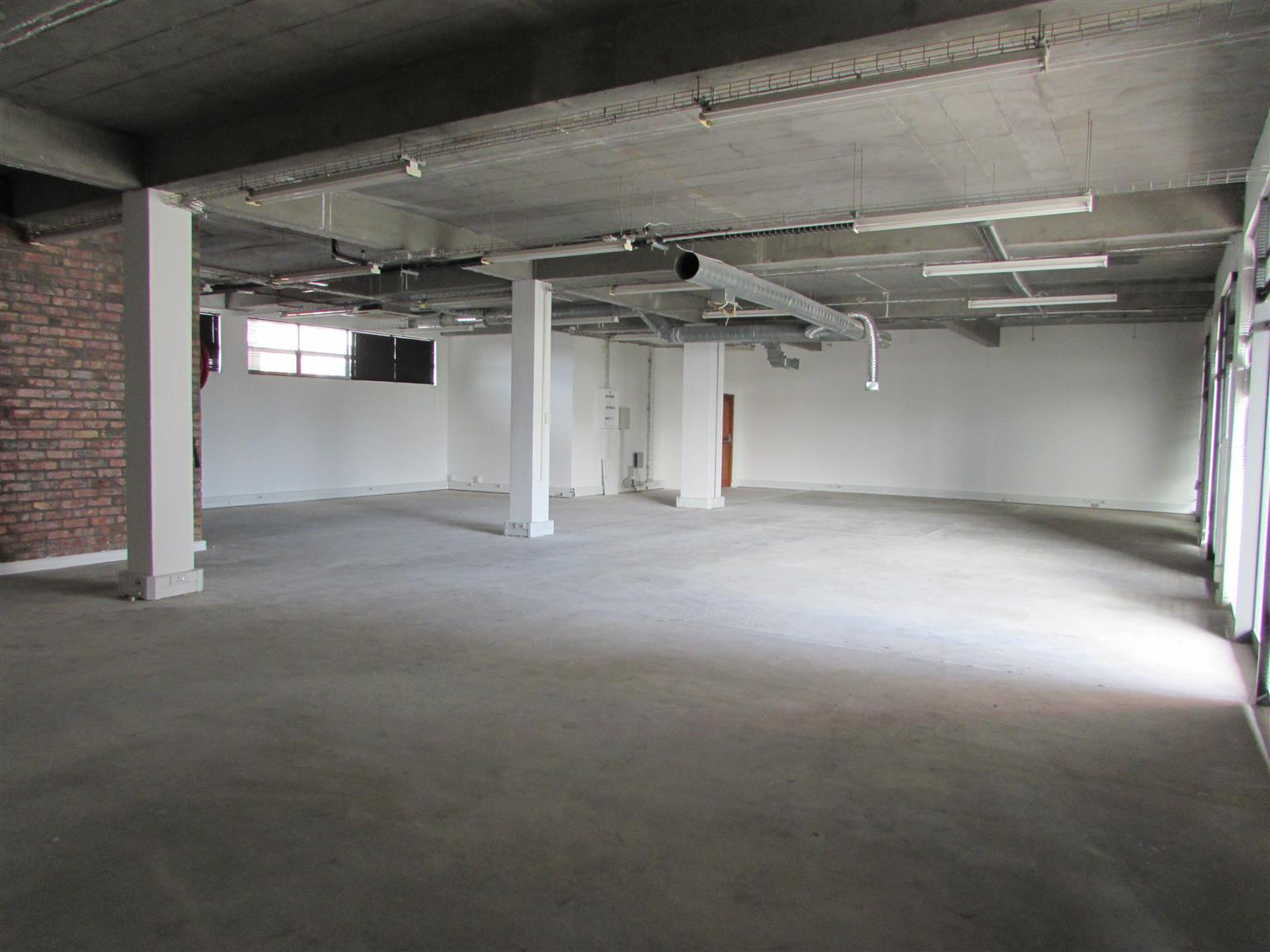 MAITLAND: 235m2 Office to Let