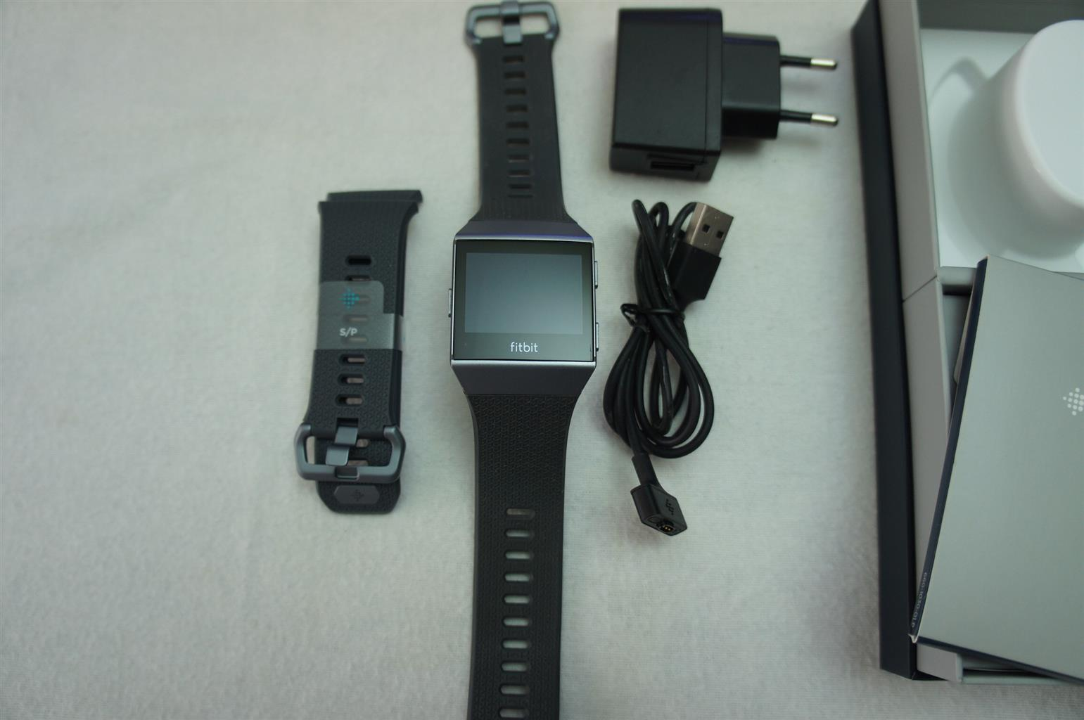 Fitbit Ionic Smart Watch in NEW Condition