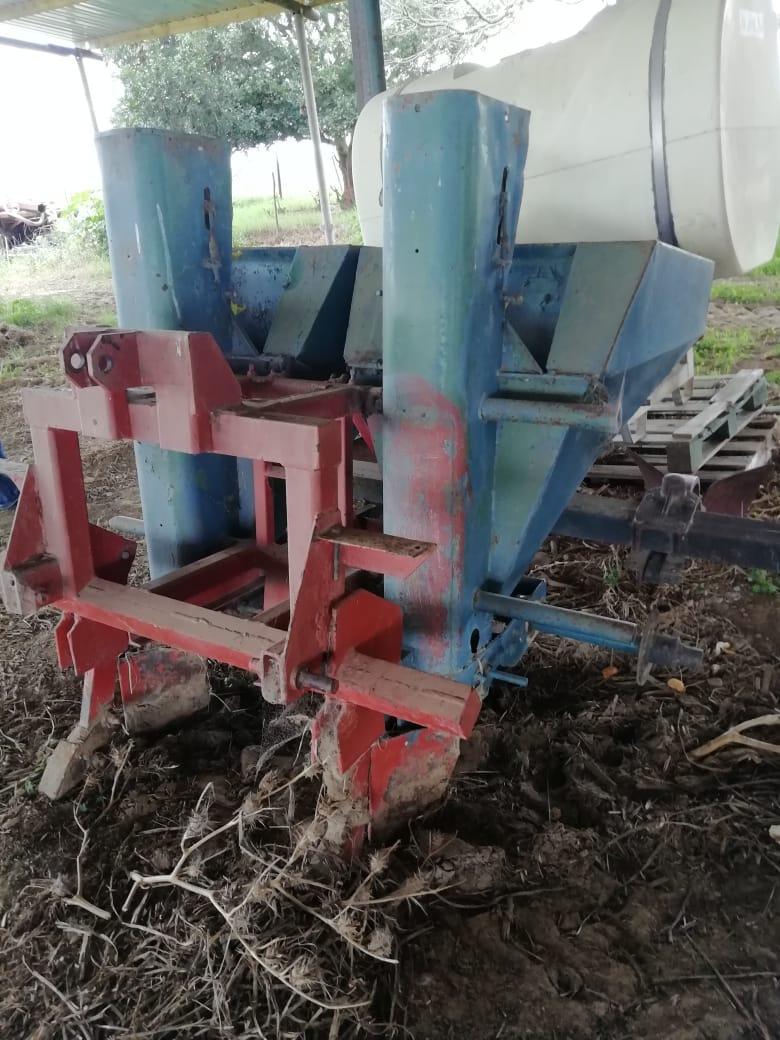 2 Ry Aartappel Planter