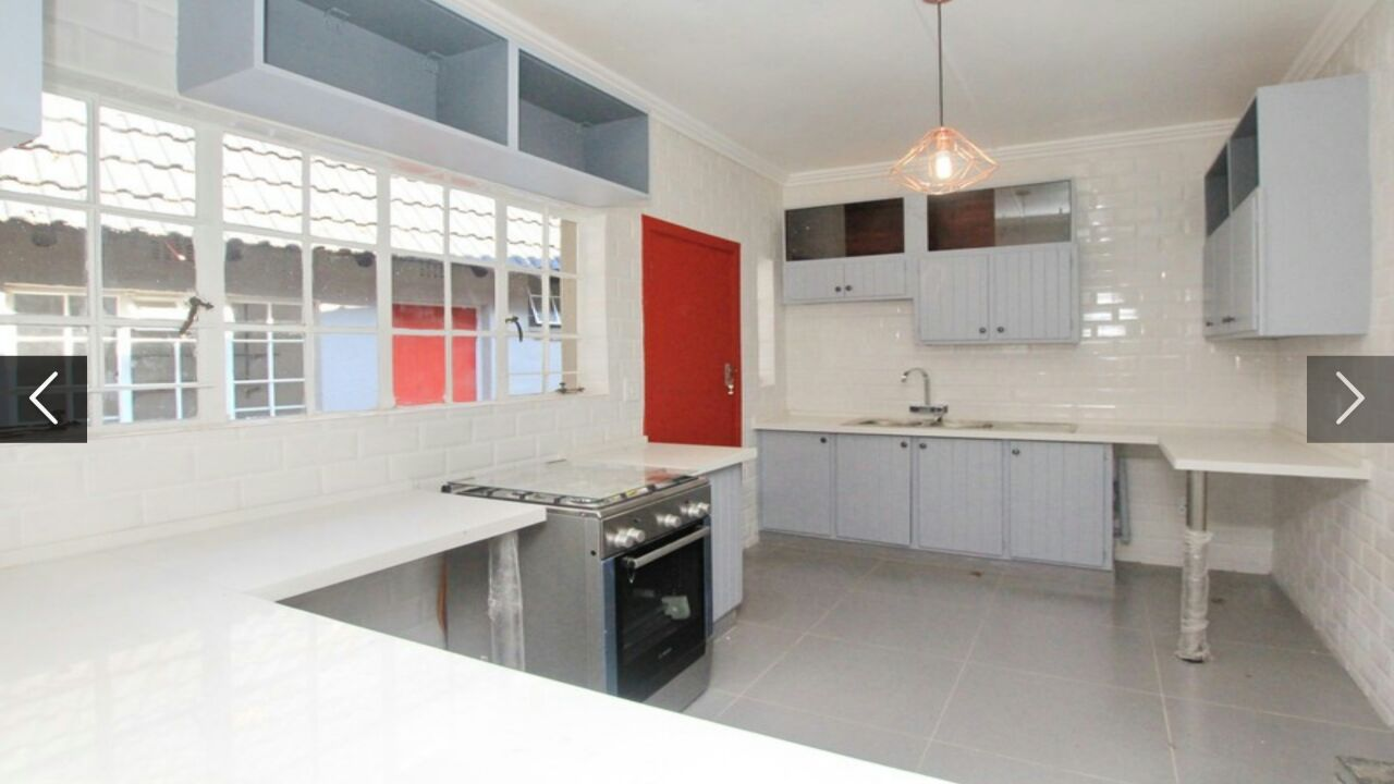 Beautiful 4 Bedroom Family home in Sandton, Parkmore