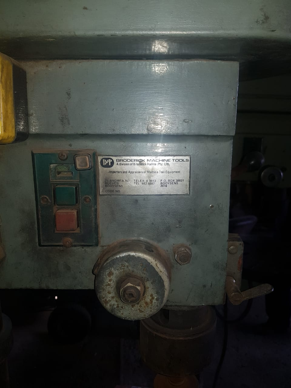 General horizontal drill with vice for sale