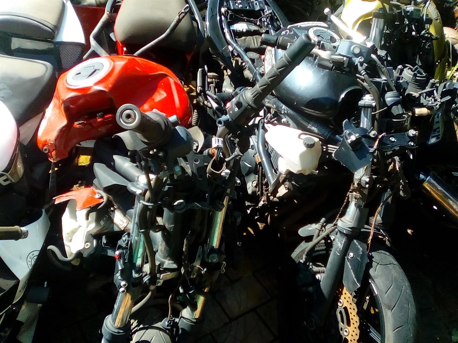 Kawasaki er6 stripping for spares