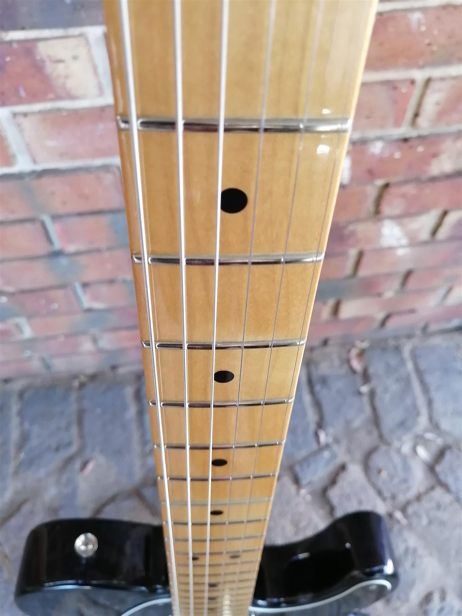 RNM: Fender Blacktop Telecaster Electric Guitar Combo's