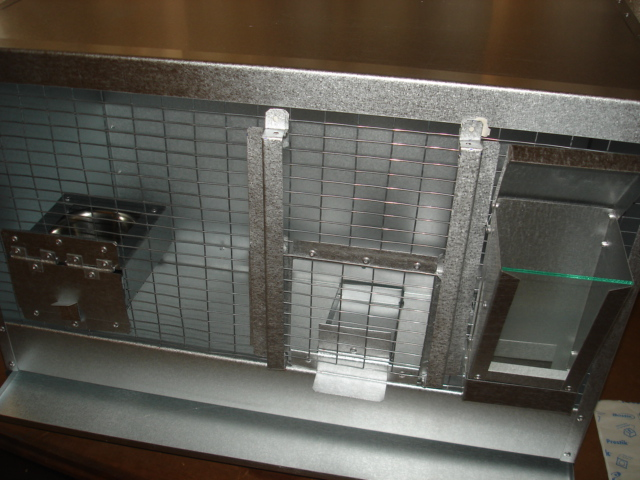 BUILDING BIRD BREEDING CAGES  WITH  MESH. Unlimited options  with  placement of water and food bowls and feeders and soft food pans