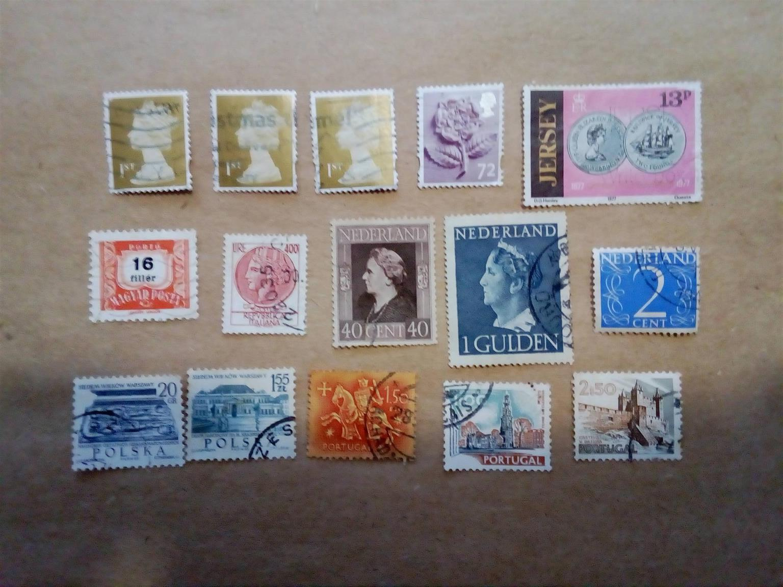 WORLD STAMP COLLECTION FOR SALE - MAKE AN OFFER
