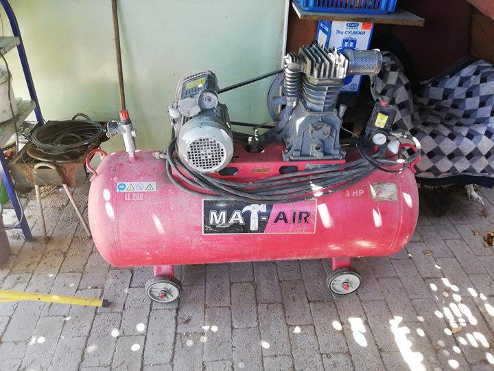 Mat Air Compressor 200 litre