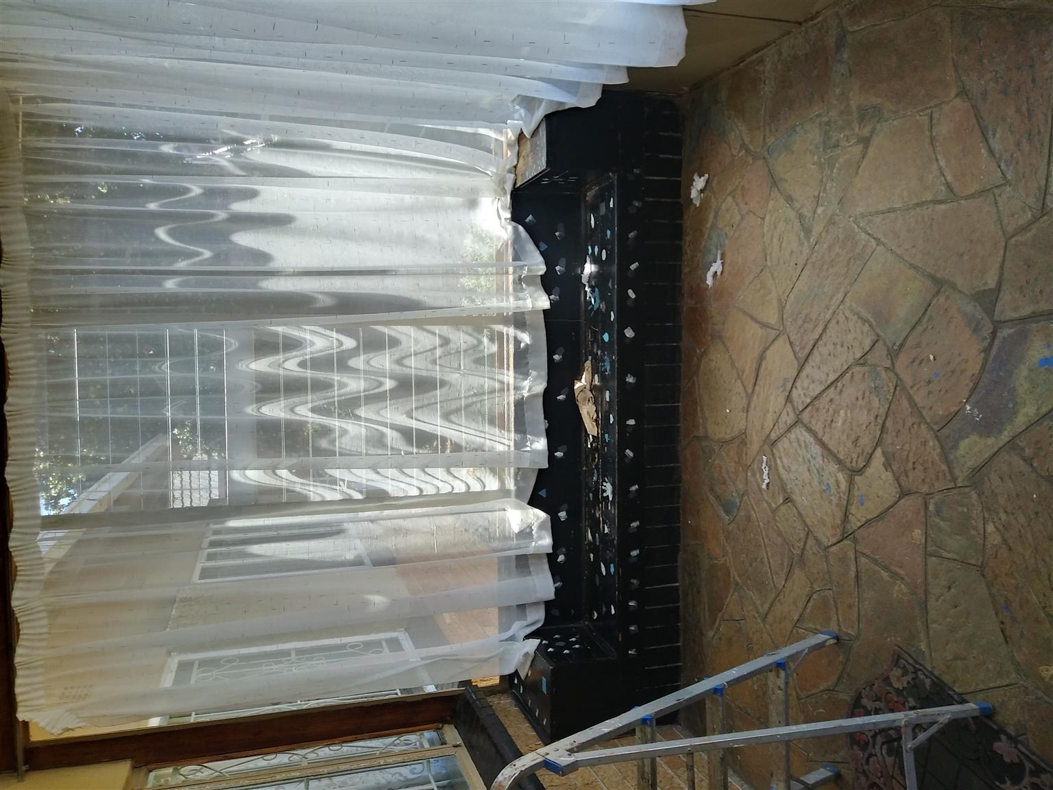 3 bedroom house Robertsham
