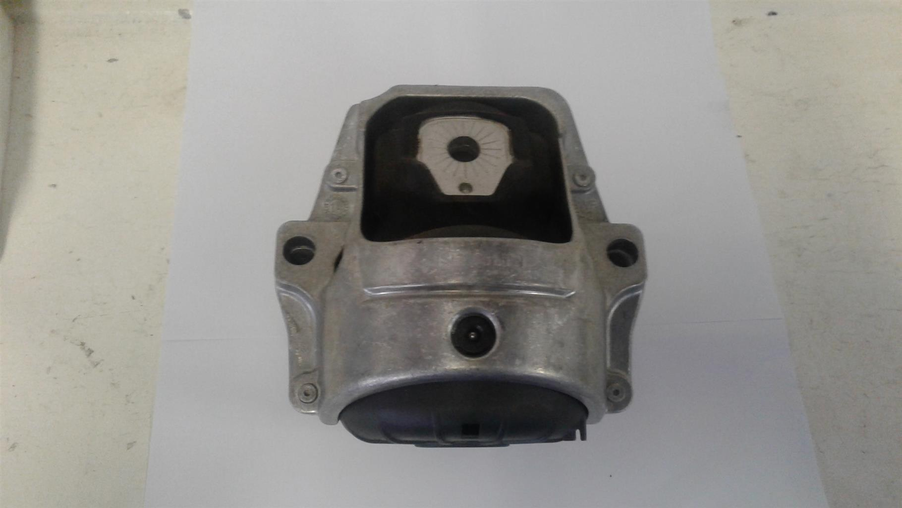 Audi A4 B8 New Engine Mounting For Sale Junk Mail
