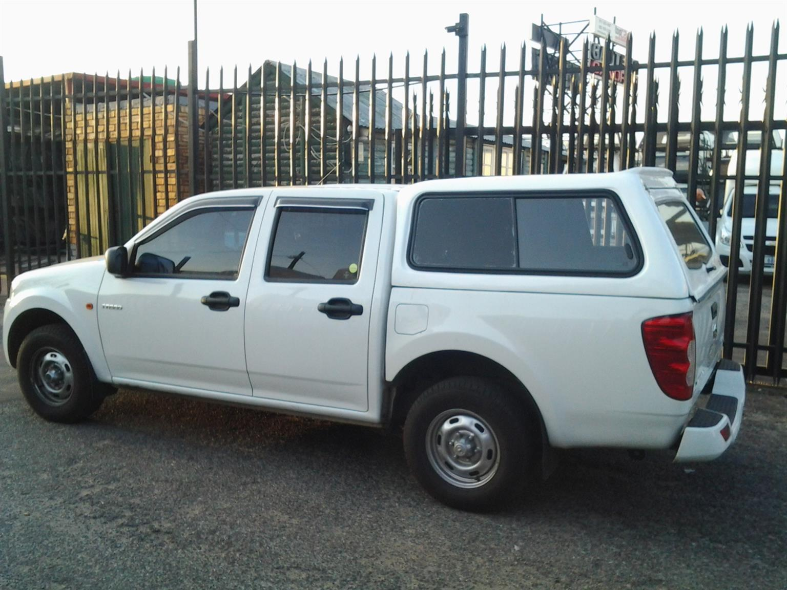 BARGAIN NOT TO BE MISS BRAND NEW GC ISUZU 2005-2013 DC CANOPY FOR SALE!!!!!!!!