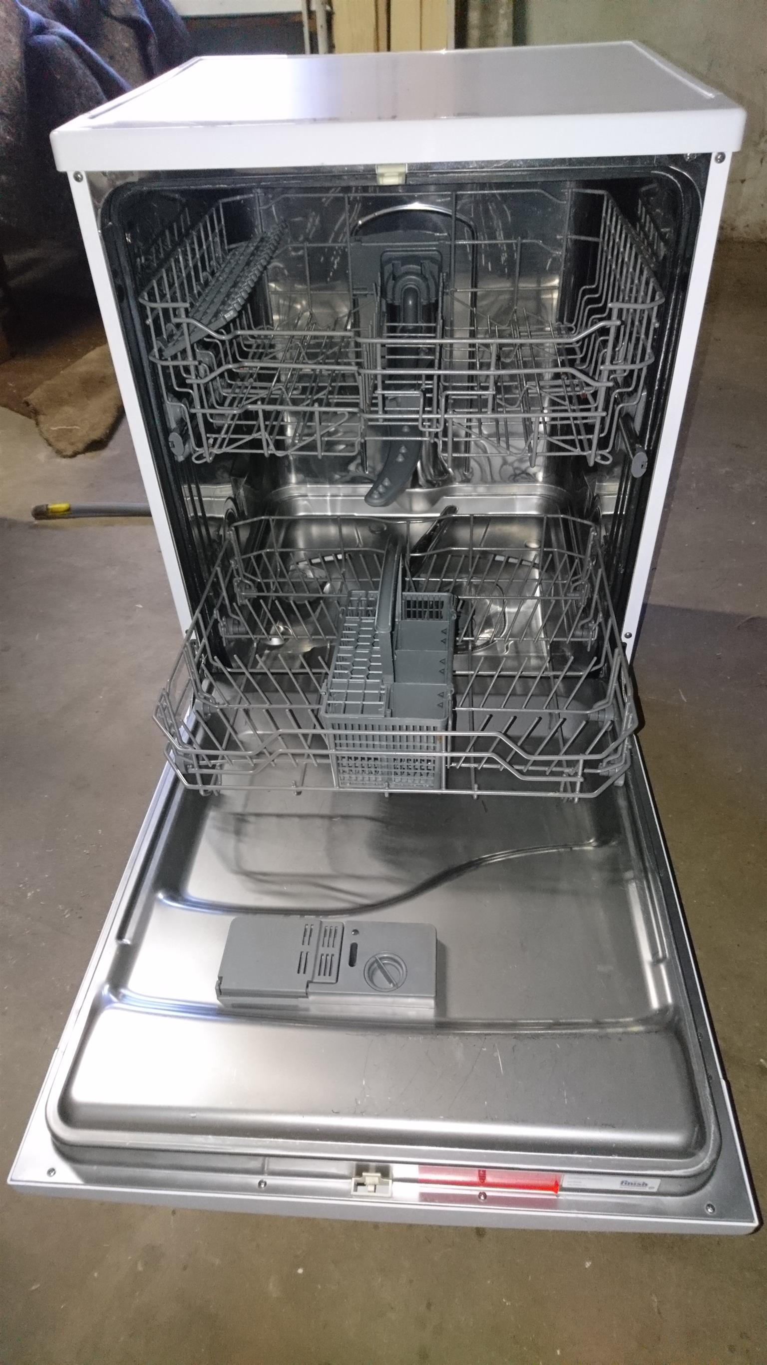 Kelvinator Dishwasher available