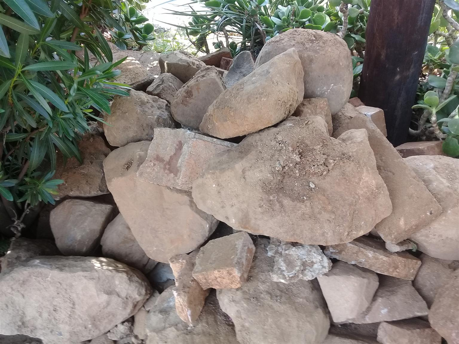 Rock's boulders for landscaping collect free