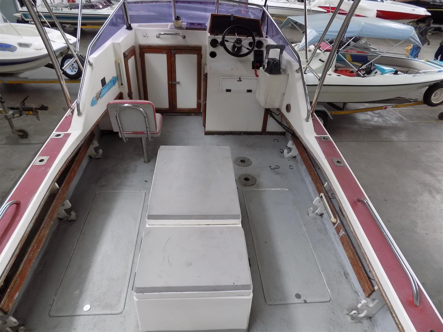 acecat 555 on trailer 2 x 90 suzuki 4 strokes