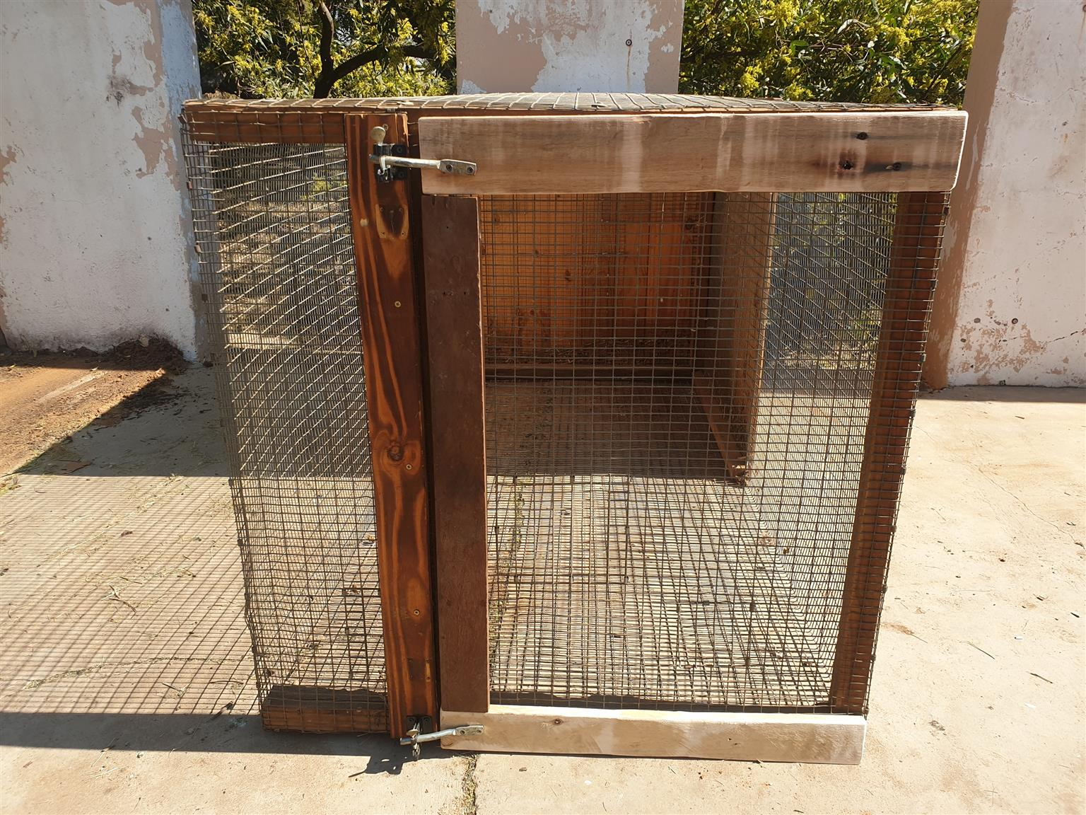 Mesh pet cages