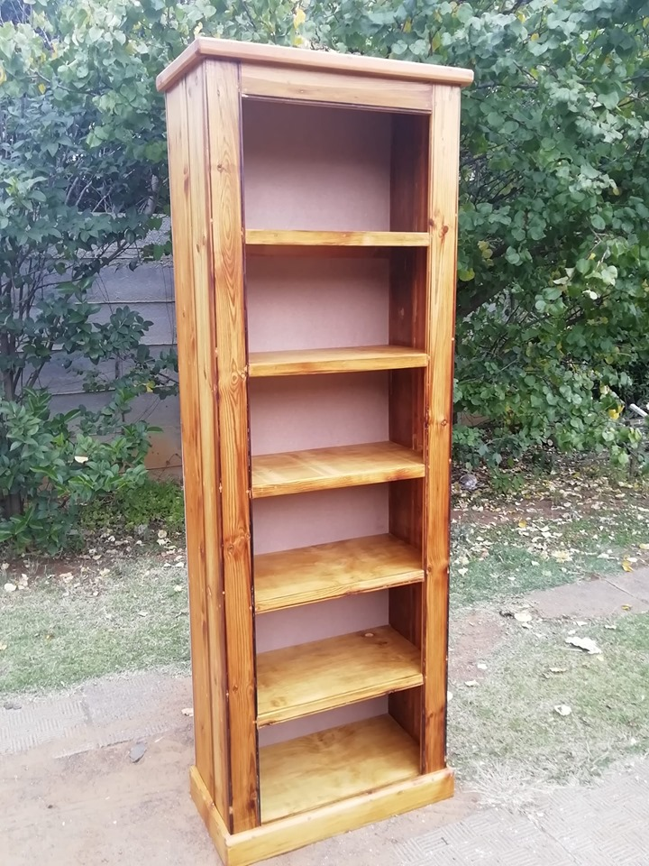 New Oregon Bookshelf