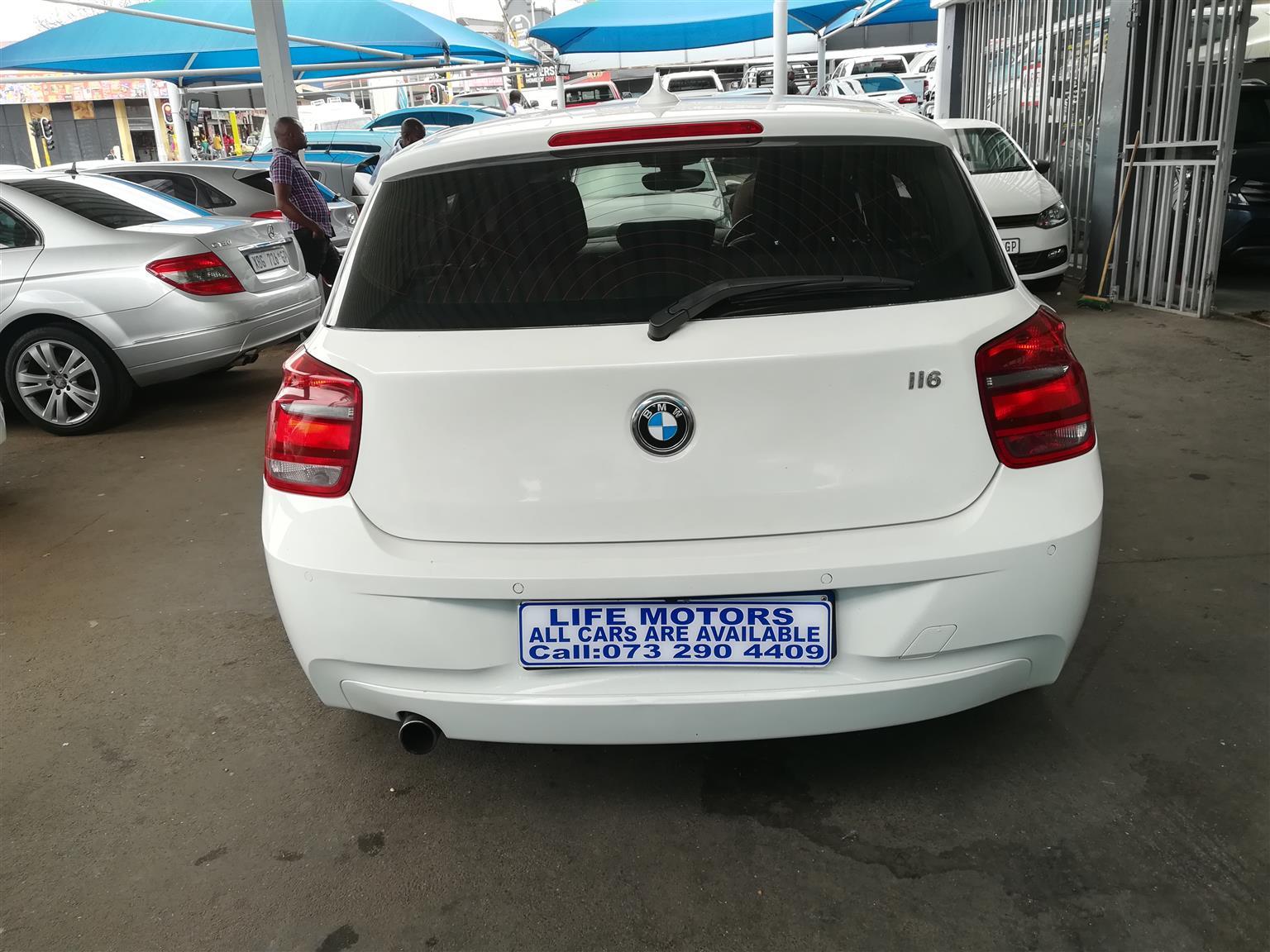 2012 BMW 1 Series 5-door 118i A/T (F40)