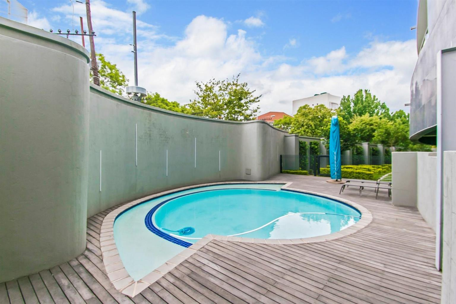 Apartment For Sale in Melrose