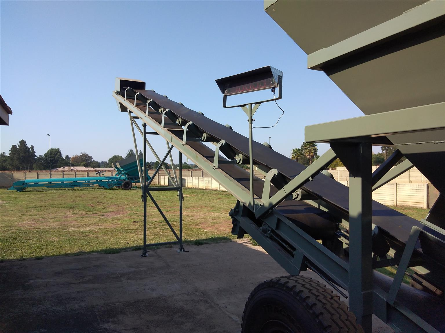 New 2021 Mobile Batching Plant with Electrical motor and F-Type gearbox.