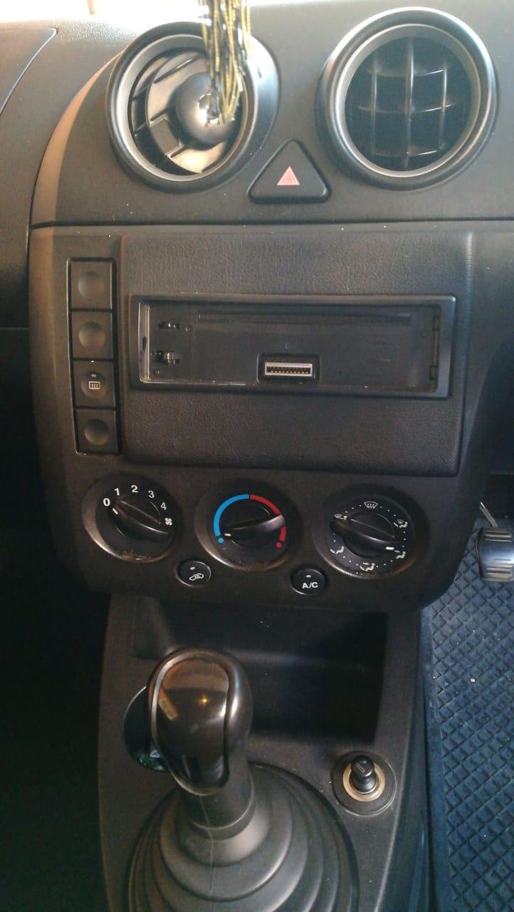 2004 Ford Fiesta 1.4 3 door Titanium